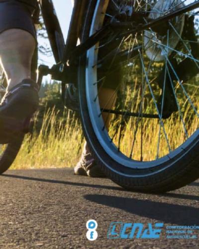 protegete-en-carretera-si-vas-en-bici